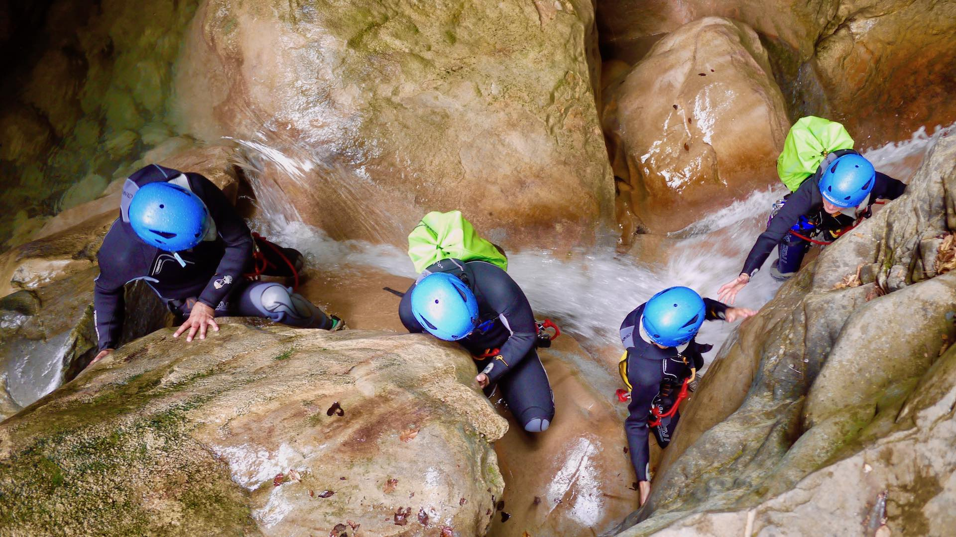 sports360-canyoning-4